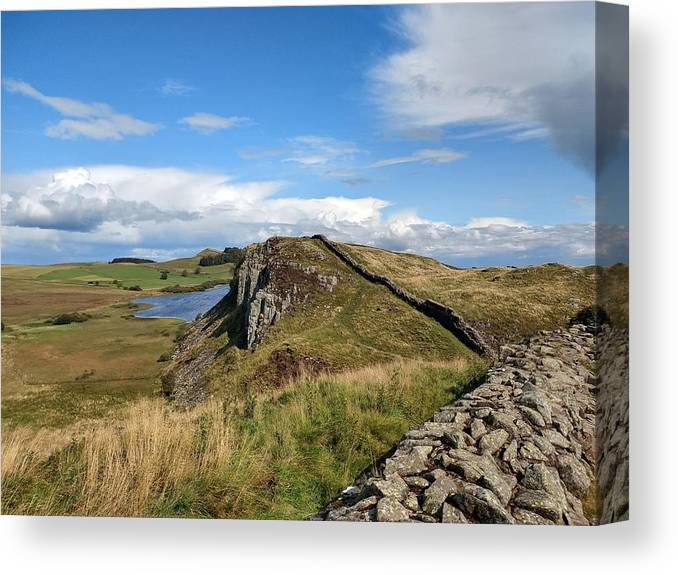 Landscape Canvas Print featuring the photograph Hadrianswall by Pop