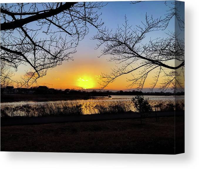 Sunset Canvas Print featuring the photograph Tatebayashi Sunset by Kiyoto Matsumoto