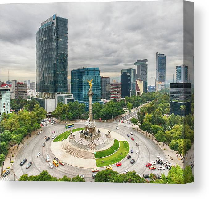 Mexico City Canvas Print featuring the photograph The Angel Of Independence, Mexico City by Sergio Mendoza Hochmann