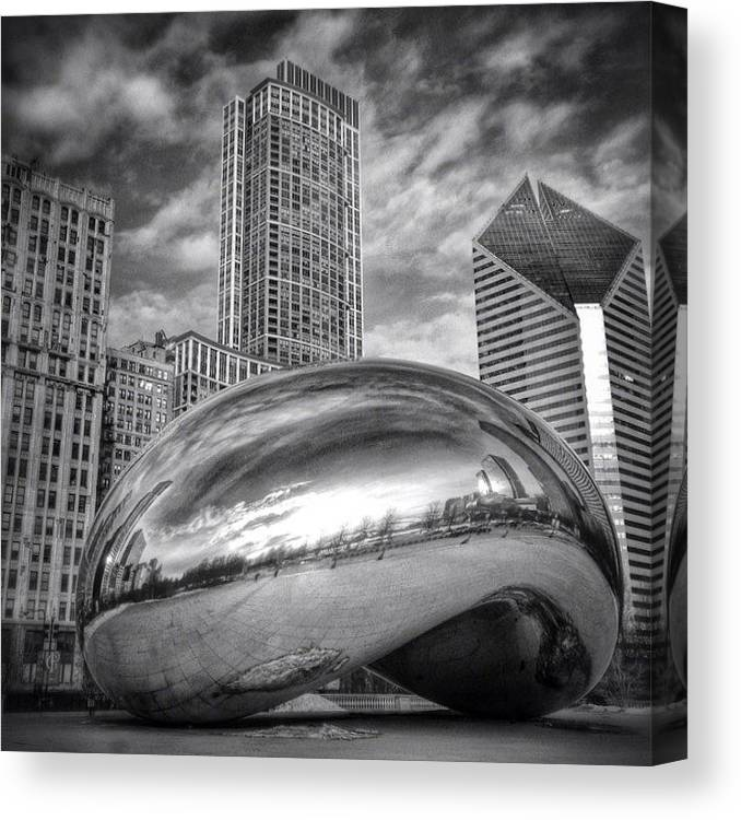 America Canvas Print featuring the photograph Chicago Bean Cloud Gate HDR Picture by Paul Velgos