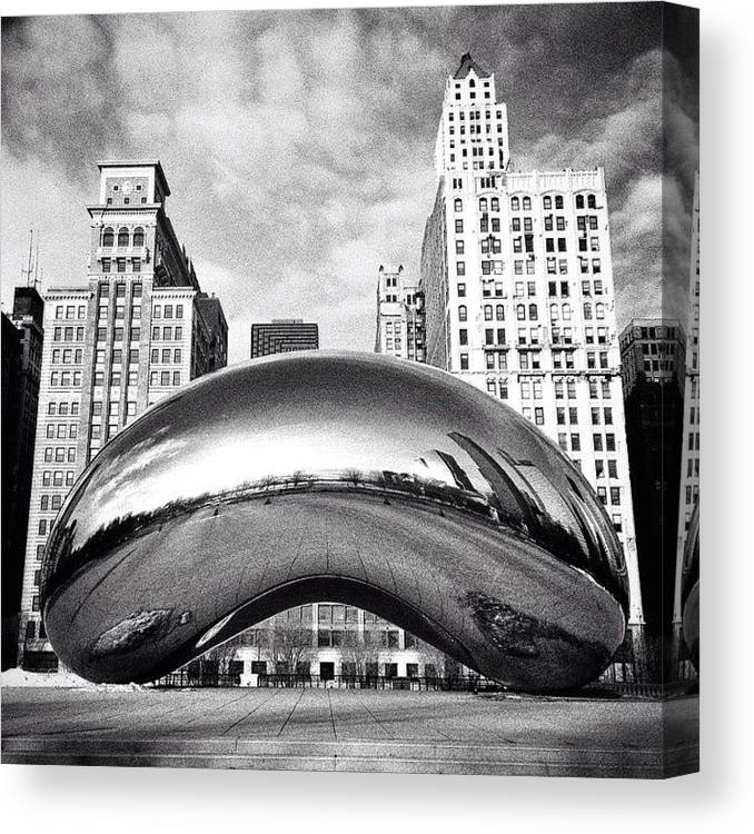 America Canvas Print featuring the photograph Chicago Bean Cloud Gate Photo by Paul Velgos