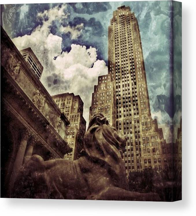 Building Canvas Print featuring the photograph The resting Lion - NYC by Joel Lopez