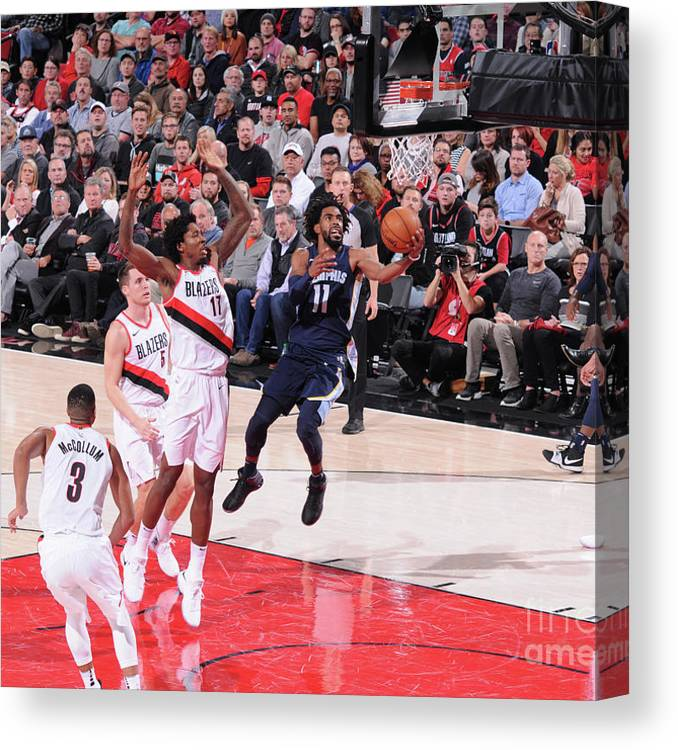 Nba Pro Basketball Canvas Print featuring the photograph Memphis Grizzlies V Portland Trail by Sam Forencich