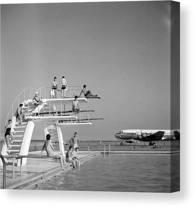 People Canvas Print featuring the photograph Ezeiza Airport, Argentina by Michael Ochs Archives