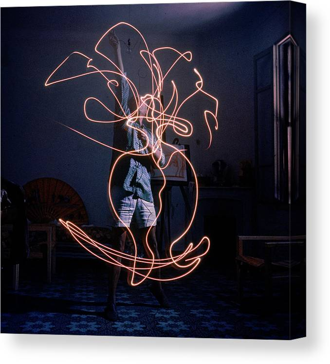 Pablo Picasso Canvas Print featuring the photograph Artist Pablo Picasso Drawing An Image by Gjon Mili