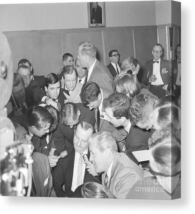 People Canvas Print featuring the photograph Jack Ruby With Lawyer Outside Court by Bettmann