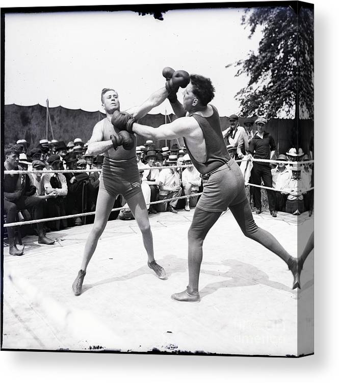 Crowd Of People Canvas Print featuring the photograph Jess Willard With Walter Monahan by Bettmann