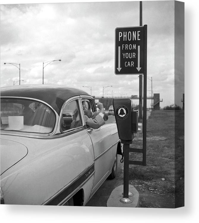 1950-1959 Canvas Print featuring the photograph Roadside Public Telephone by Underwood Archives