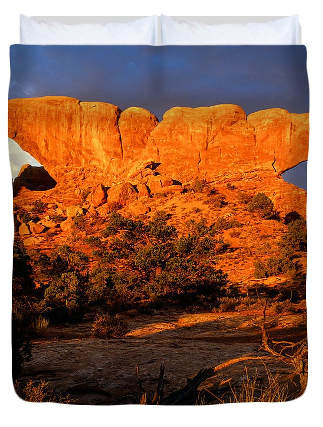 Arches National Park Duvet Cover featuring the photograph Sunrise On The Windows by Tracy Knauer