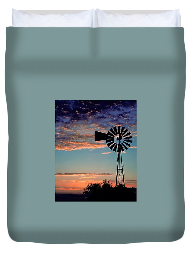 Windmill Duvet Cover featuring the photograph Windmill At Dawn by David and Carol Kelly