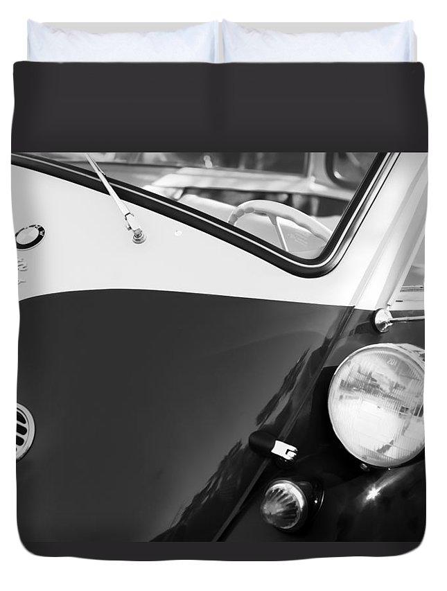 1957 Bmw Isetta 300 Duvet Cover featuring the photograph 1957 Bmw Isetta 300 by Jill Reger