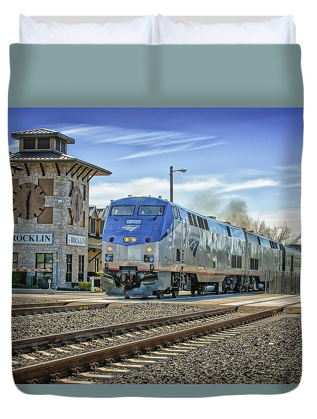 Amtrak Duvet Cover featuring the photograph Amtrak 112 by Jim Thompson