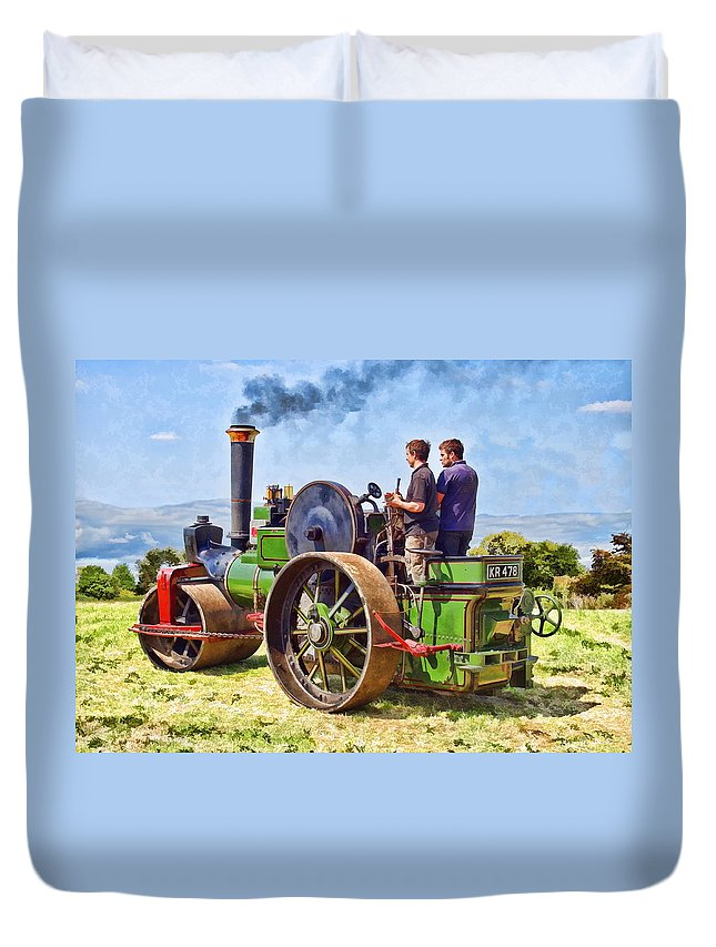 Steam Duvet Cover featuring the photograph Aveling Roller by Paul Gulliver