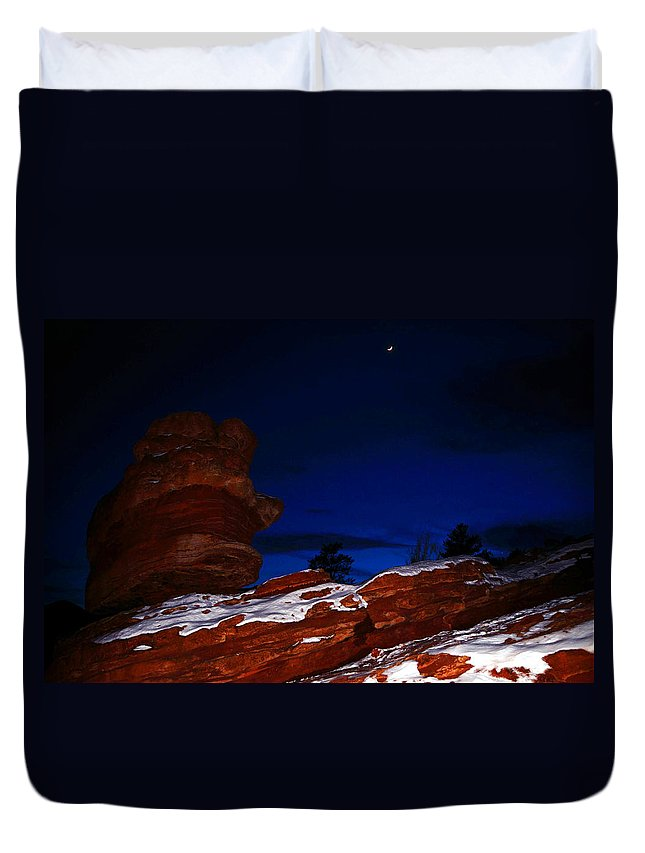 Landscape Duvet Cover featuring the photograph Balanced Rock by Pam Romjue