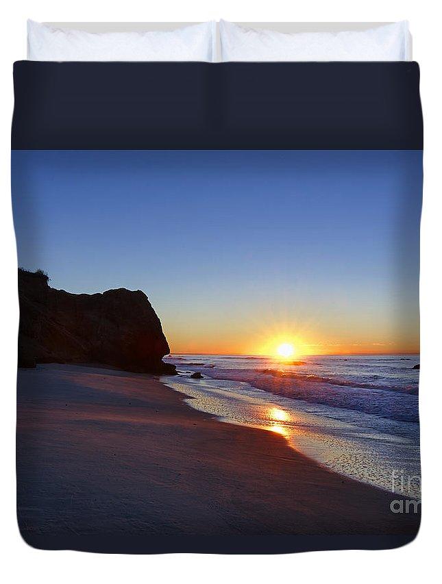 Lucy Vincent Beach Duvet Cover featuring the photograph Beach Sunrise by John Greim