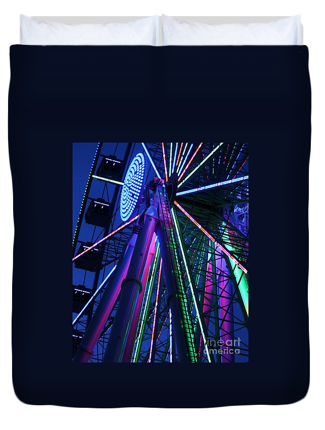 Ferris Wheel Duvet Cover featuring the photograph Big Wheel by Chuck Hicks