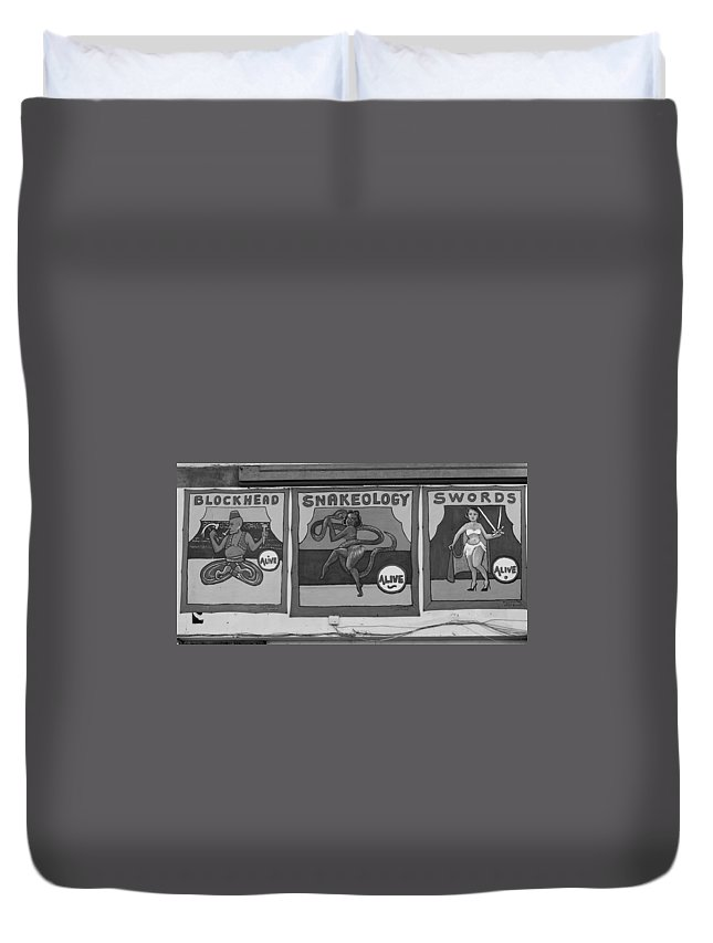 Brooklyn Duvet Cover featuring the photograph Blockhead And Swords In Black And White by Rob Hans
