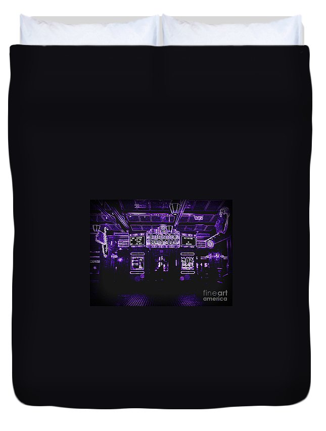 Duvet Cover featuring the photograph Bottleneck Blues Bar by Kelly Awad