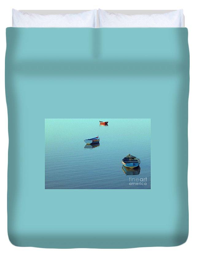 Wood Duvet Cover featuring the photograph Calmness by Jose Elias - Sofia Pereira