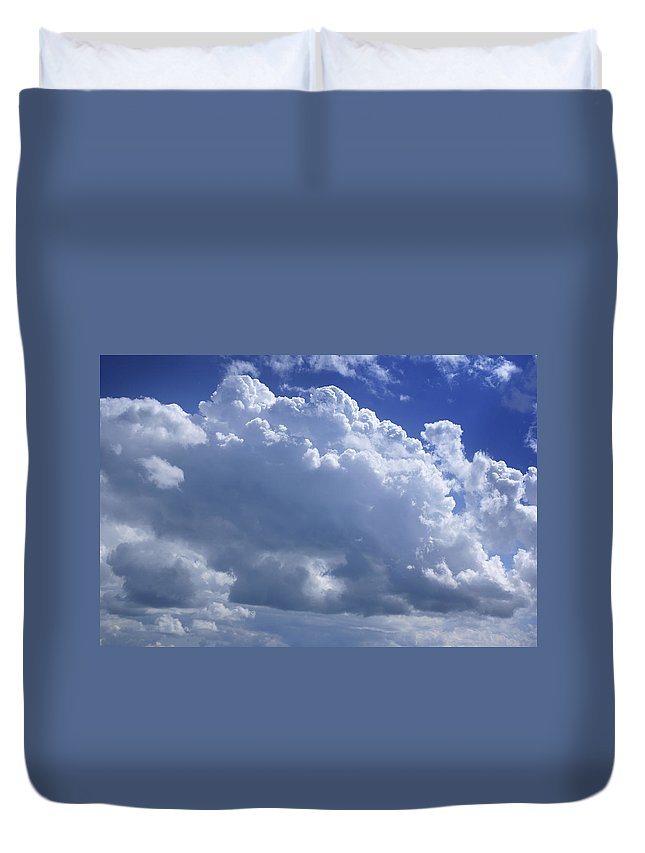 Sky Only Duvet Cover featuring the photograph Cloudscape by Donald Erickson