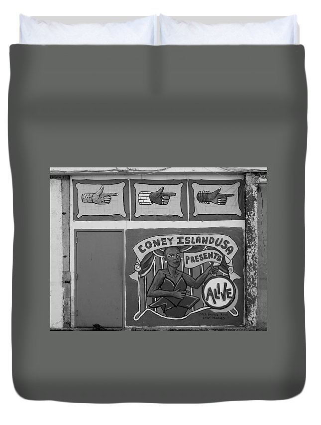 Brooklyn Duvet Cover featuring the photograph Coney Island Alive In Black And White by Rob Hans