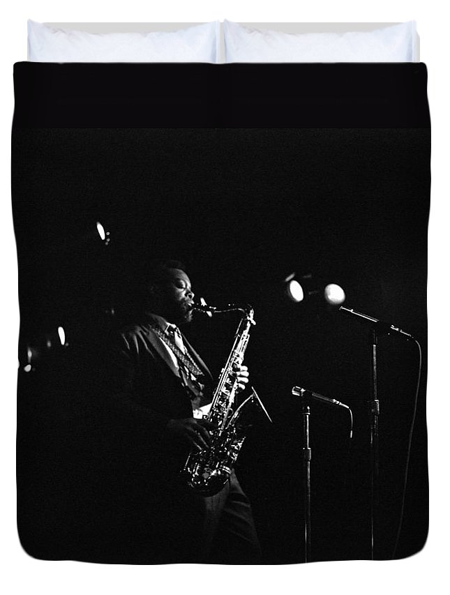 Jazz Duvet Cover featuring the photograph Dewey Redman by Lee Santa
