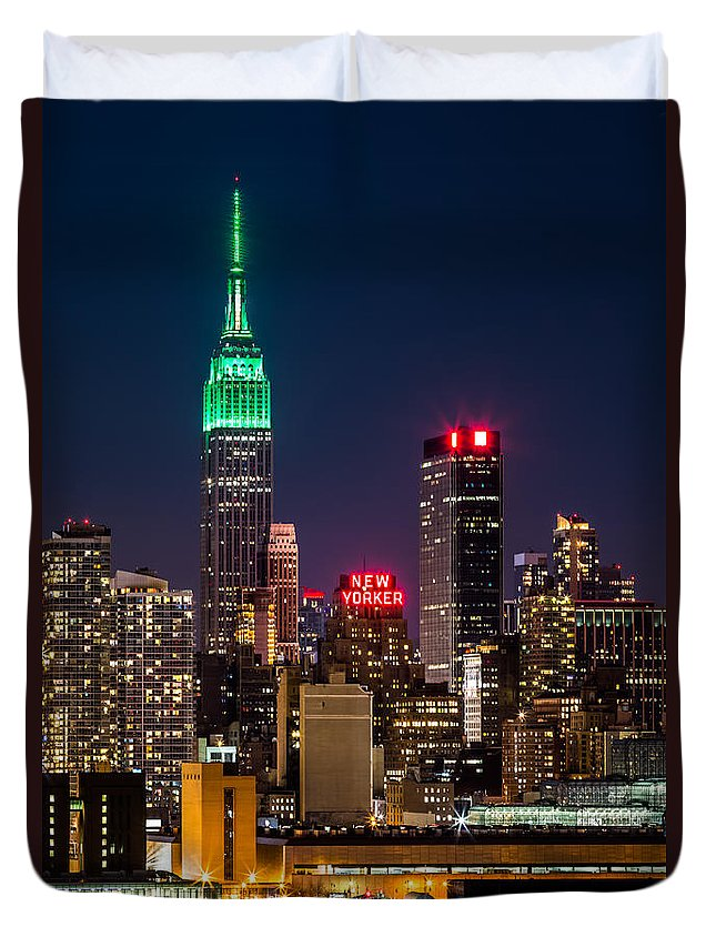 Ireland Duvet Cover featuring the photograph Empire State Building On Saint Patrick's Day by Mihai Andritoiu