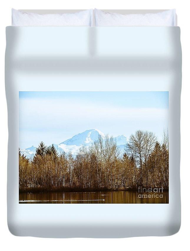 Mill Lake Duvet Cover featuring the photograph F2110922 by David Fabian
