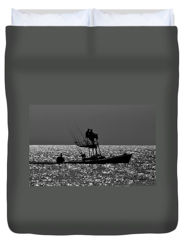 Fishing Friends Duvet Cover featuring the photograph Fishing Friends by David Lee Thompson