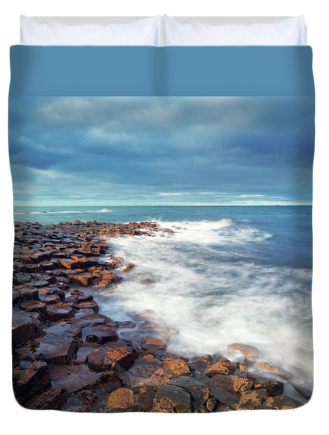 Water's Edge Duvet Cover featuring the photograph Giants Causeway On A Cloudy Day by Mammuth