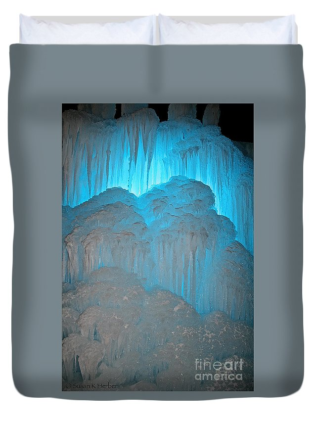 Ice Duvet Cover featuring the photograph Ice Rising by Susan Herber