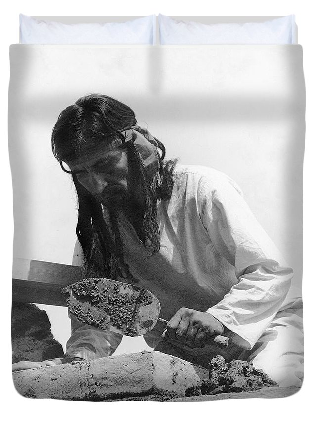 1 Person Duvet Cover featuring the photograph Indians Building Missions by Underwood Archives Onia