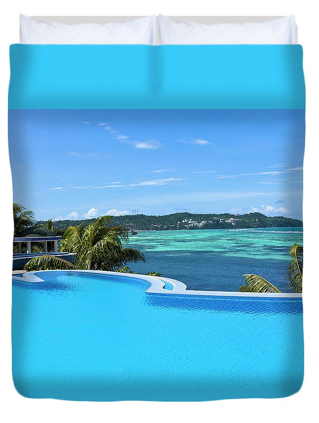 Scenics Duvet Cover featuring the photograph Infinity Swimming Pool by 35007