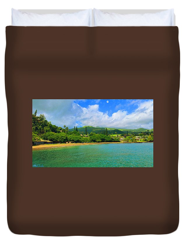 Sea Duvet Cover featuring the painting Island Of Maui by Michael Rucker