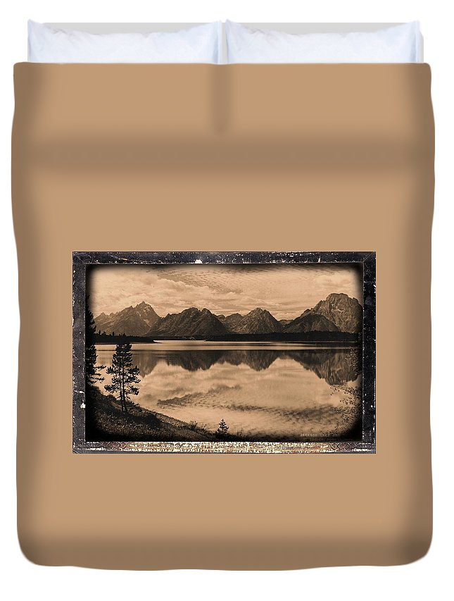 Wyoming Duvet Cover featuring the photograph Jackson Lake Wyoming by Bonfire Photography