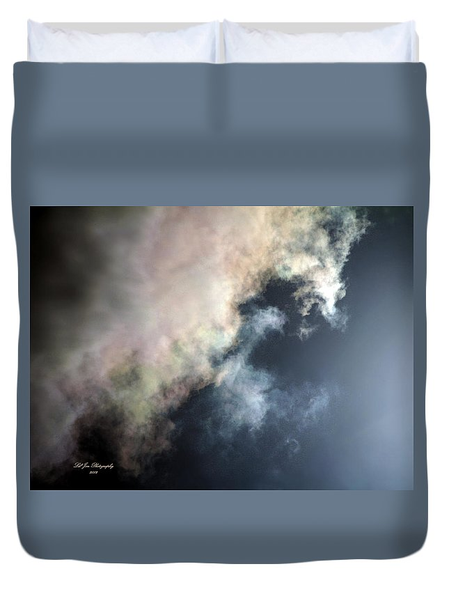 Cloud Duvet Cover featuring the photograph Kansas Storm On The Rise II by Jeanette C Landstrom