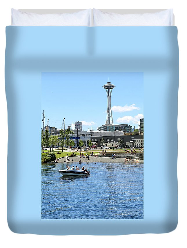 Seattle Duvet Cover featuring the photograph Lake Union Park by Paul Fell