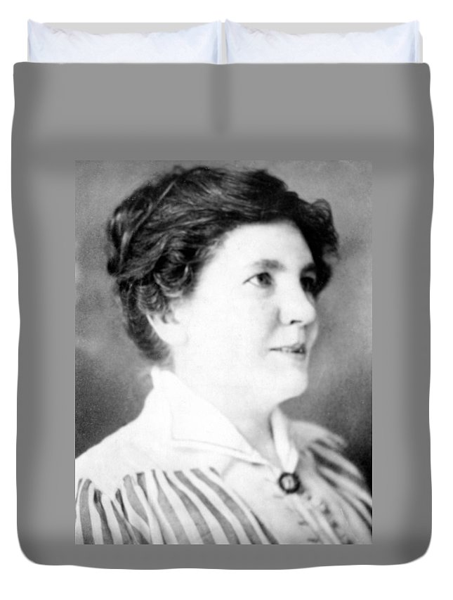 1917 Duvet Cover featuring the photograph Laura Ingalls Wilder (1867-1957) by Granger