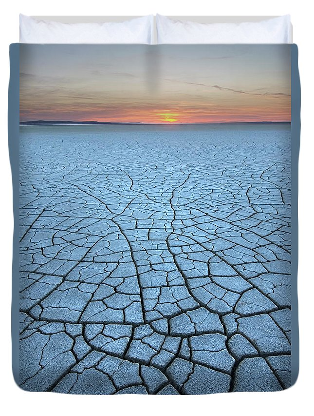 Tranquility Duvet Cover featuring the photograph Malheur National Wildlife Refuge, Oregon by Alan Majchrowicz
