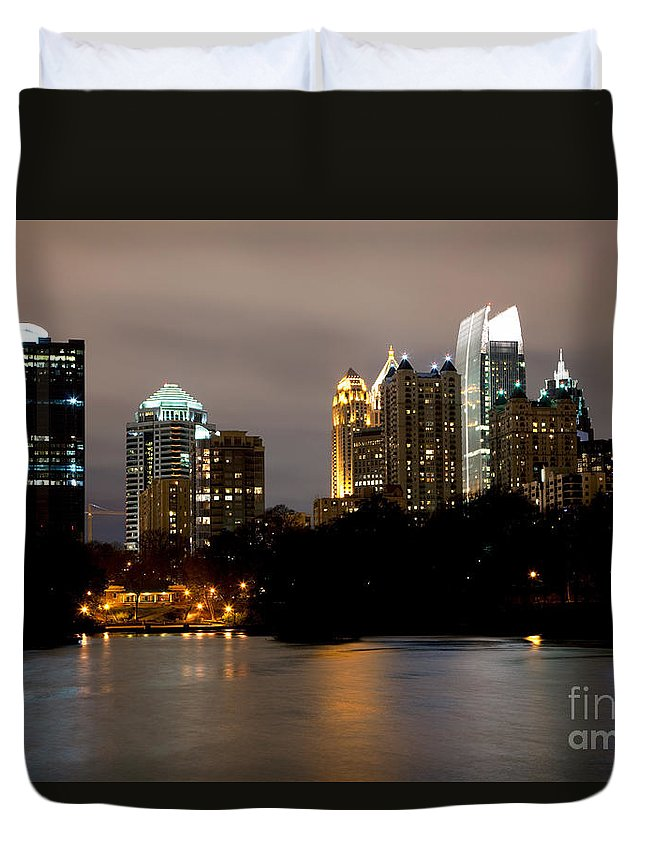 Lake Clara Meer Duvet Cover featuring the photograph Midtown Atlanta Skyline by Bill Cobb