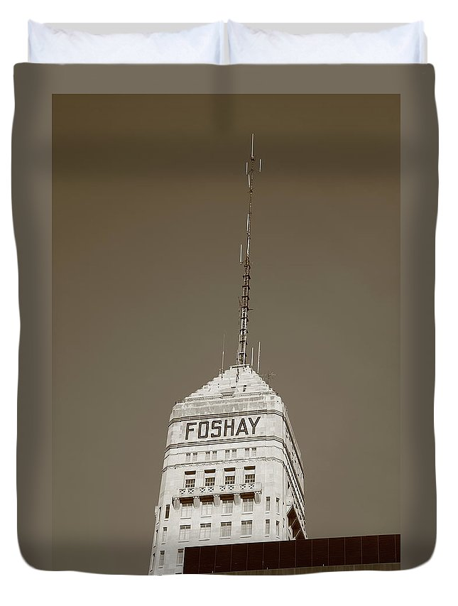 America Duvet Cover featuring the photograph Minneapolis Tower by Frank Romeo