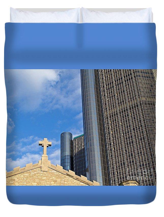 Detroit Duvet Cover featuring the photograph Near Neighbors by Ann Horn