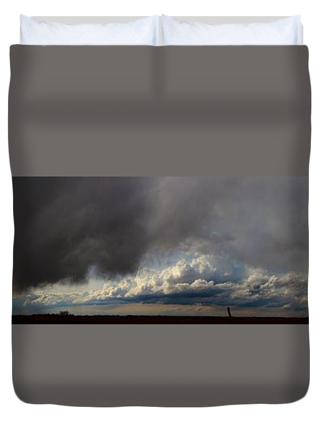 Stormscape Duvet Cover featuring the photograph Nebraska Storms A Brewin by NebraskaSC
