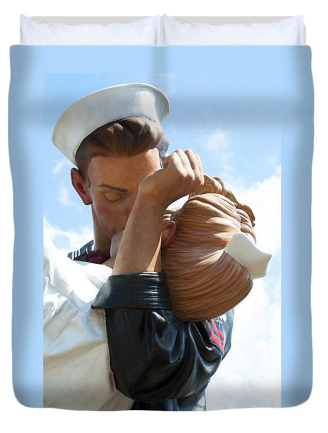 Vertical Duvet Cover featuring the photograph Nurse And Sailor Kissing Statue Unconditional Surrender Closeup by Sally Rockefeller
