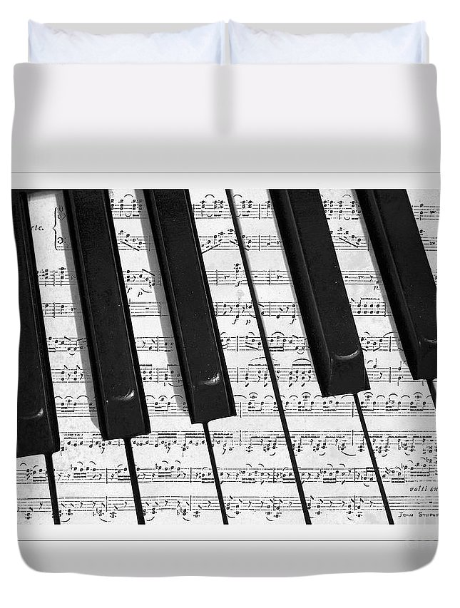 Piano Duvet Cover featuring the photograph Pianoforte by John Stephens