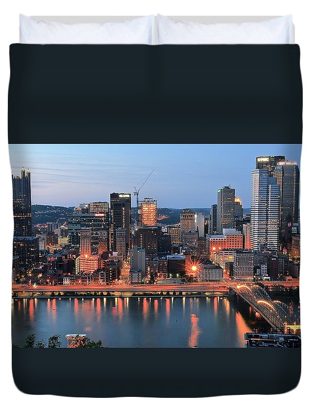 Pittsburgh Duvet Cover featuring the photograph Pittsburgh At Dusk by Frozen in Time Fine Art Photography