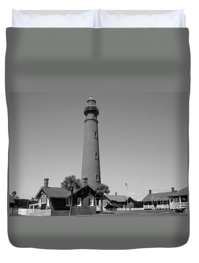 Lighthouses Duvet Cover featuring the photograph Ponce De Leon Lighthouse by Skip Willits