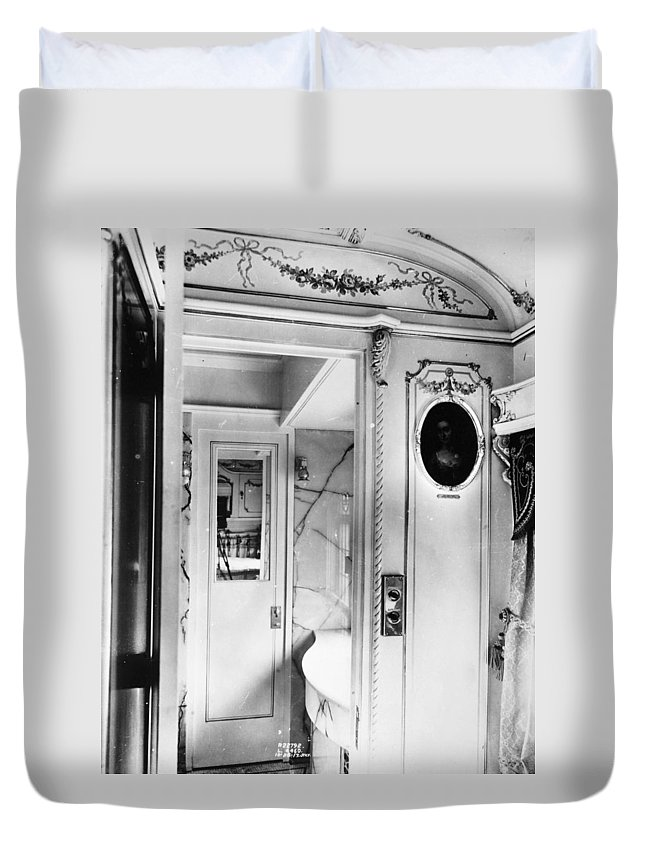 1917 Duvet Cover featuring the photograph Pullman Car Loretto by Granger