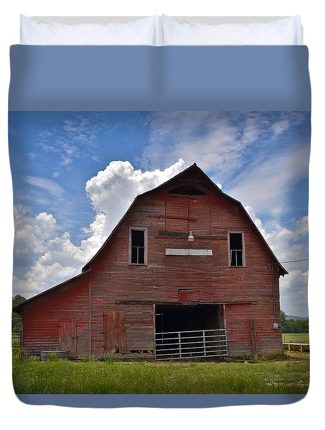 Red Barn Duvet Cover featuring the photograph Red Barn by Skip Hunt