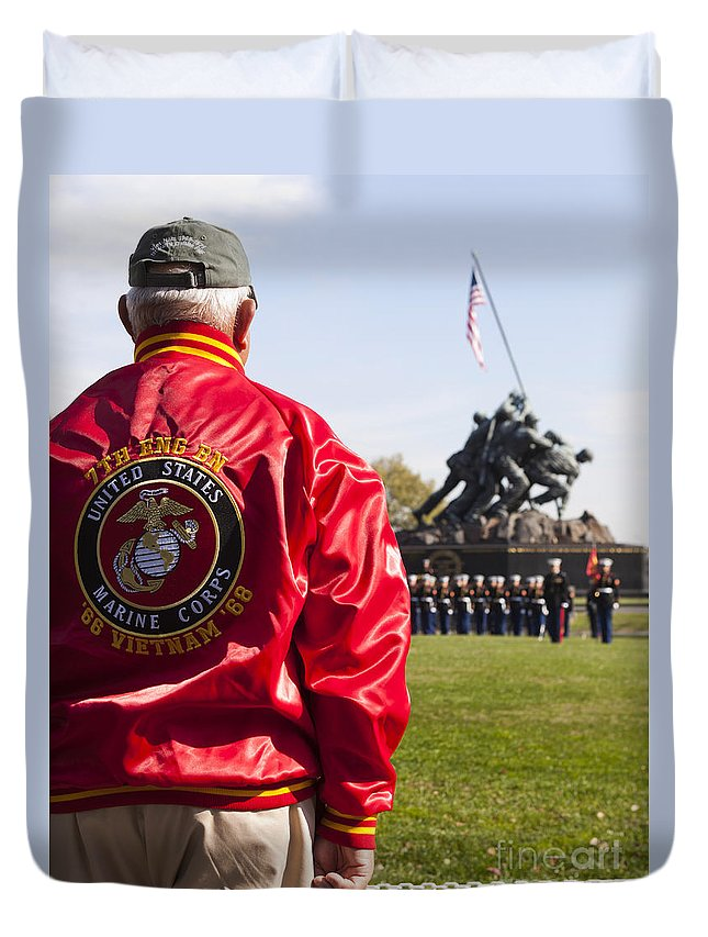 Retired Duvet Cover featuring the photograph Retired Marine Paying Respect by B Christopher
